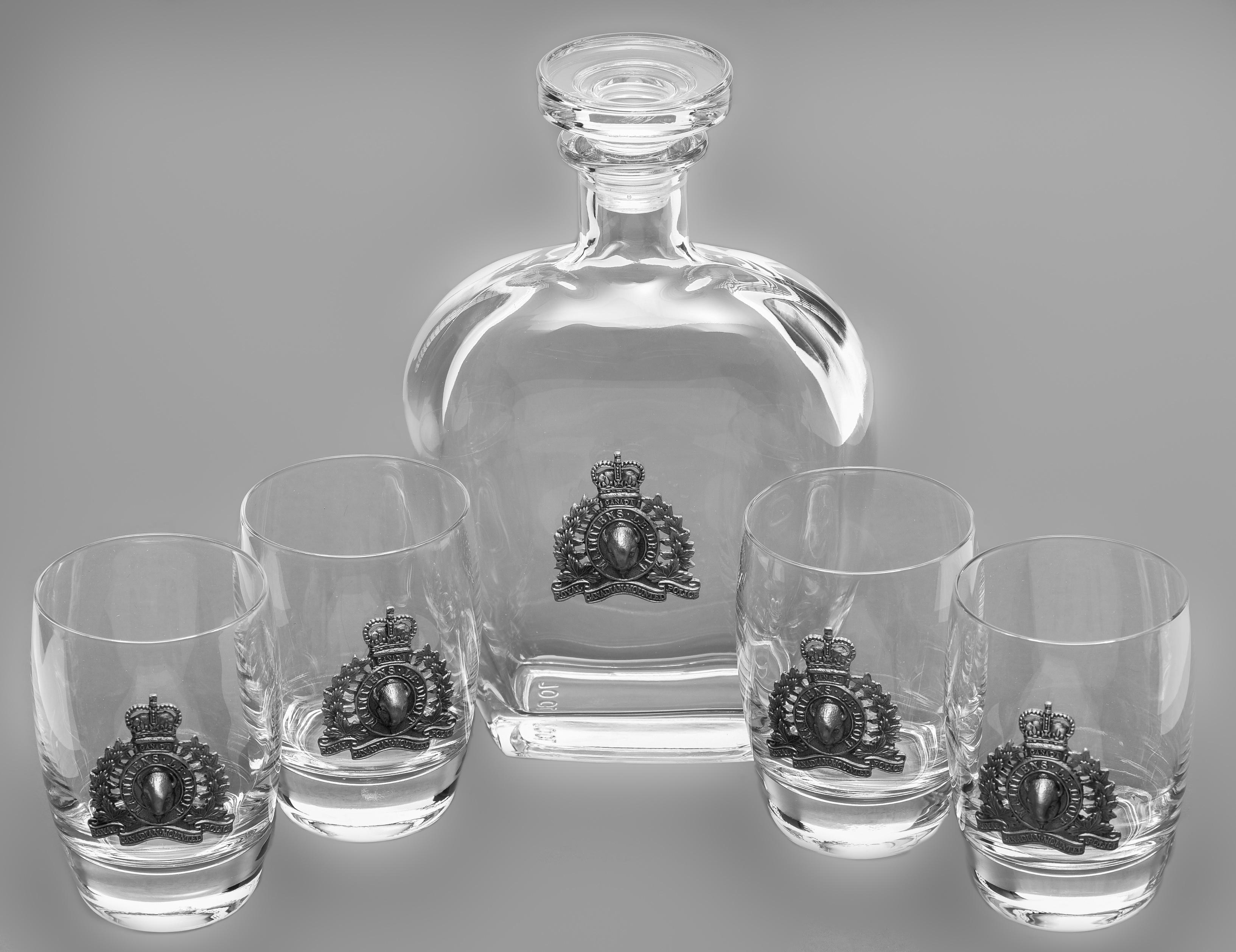 Whiskey Decanter (26oz – 769ml) & Tumblers